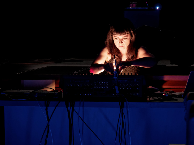 Barbara Ellison live in Madrid. Female Effects.