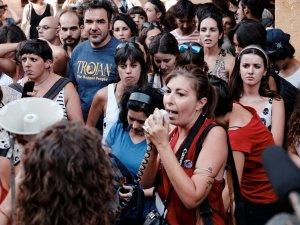 Discurso por los derechos de la mujer. Manifestación contra la violencia machista frente al Ministerio de Justicia en Madrid. By Luis F. Roncero