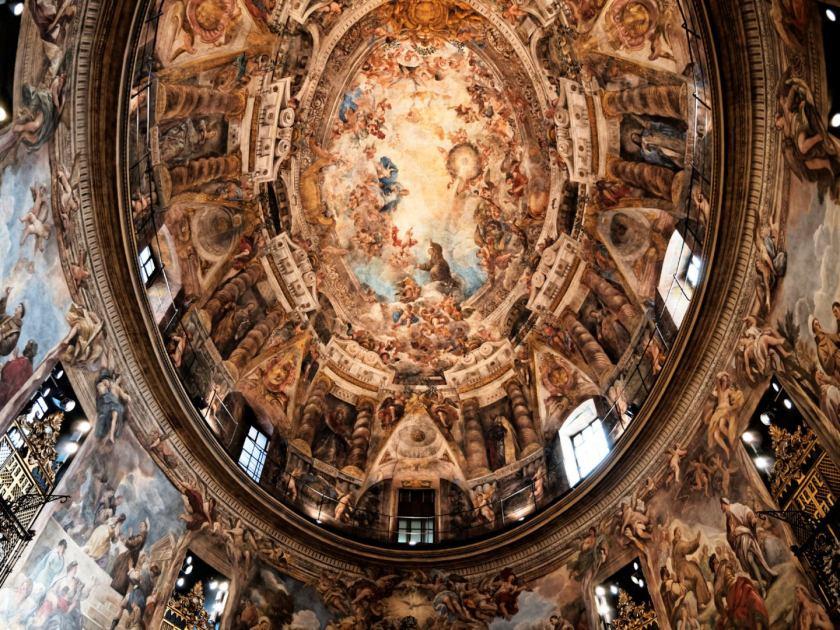 Bóveda de la Iglesia de San Antonio de los Alemanes, un fresco de Juan Carreño de Miranda que narra la narra la Apoteosis de San Antonio. Fotografía de Luis F. Roncero.