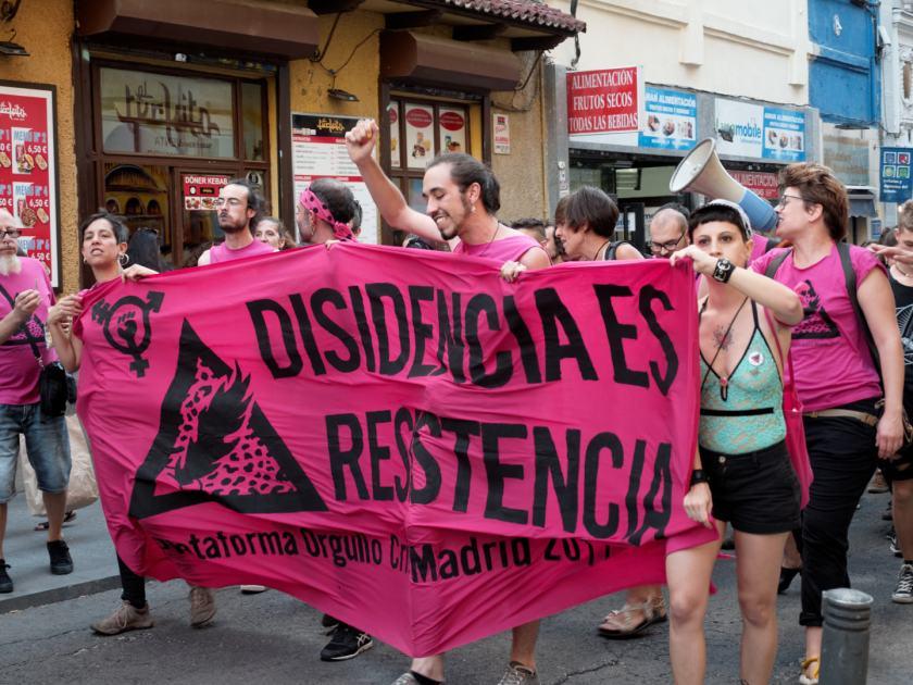Desobediencia es resistencia. Plataforma Orgullo Crítico Madrid. Manifestación del Orgullo Crítico en Madrid. Fotografía de Luis F. Roncero.
