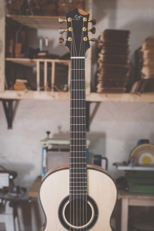 Luis Guerrero Spanish Acoustic Guitars S Series neck