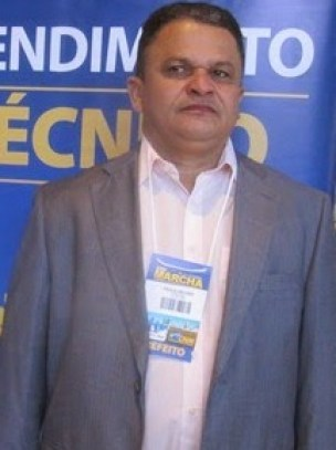 Prefeito Paulo Roberto Veloso
