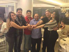Thaiza Hortegal ao lado do marido prefeito Luciano Genésio, ex-deputado Marcos Caldas, Waldir Maranhão, Dr. Liorne e sua esposa