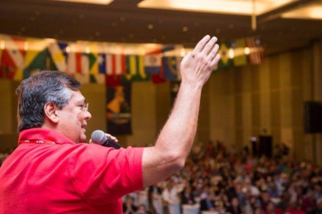 Flávio Dino no Congresso do PCdoB, em Brasília