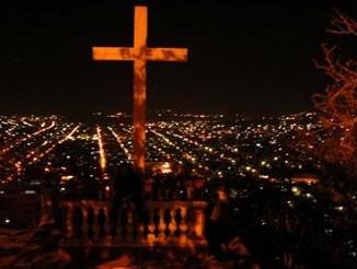 Noche de Holguín, Cuba