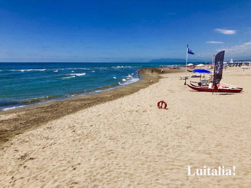 フォルテ・ディ・マルミのビーチ(Forte dei Marmi beach)