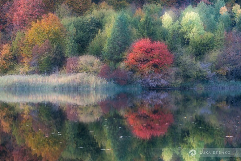 Autumn reflections at Plitvice Lakes NP.