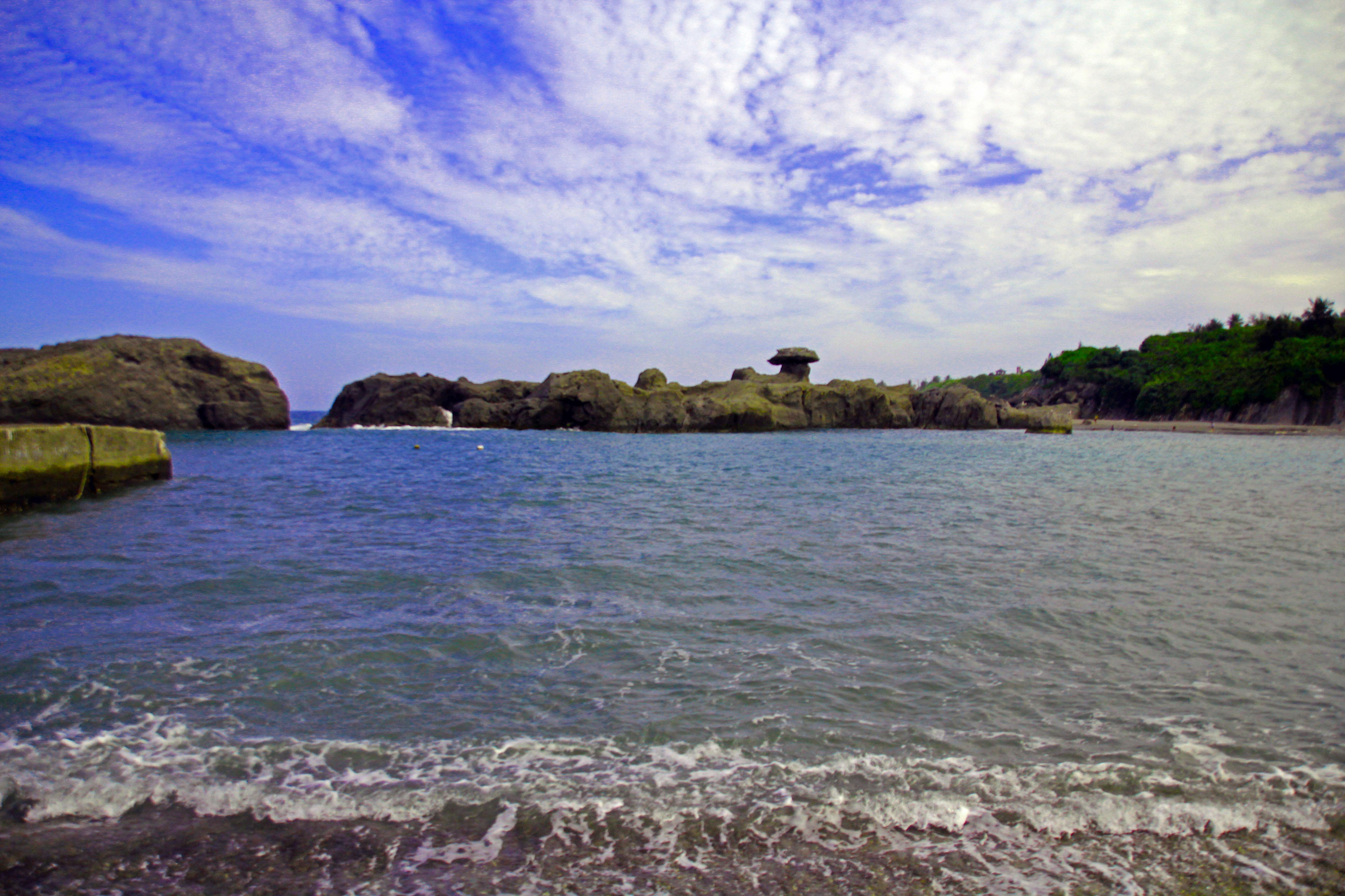 石雨傘東海岸之旅—豔陽和大海交織的樂章 – LUKA LUNA x 鹿角海月