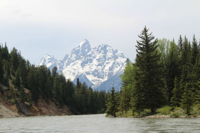 grand tetons on snake river