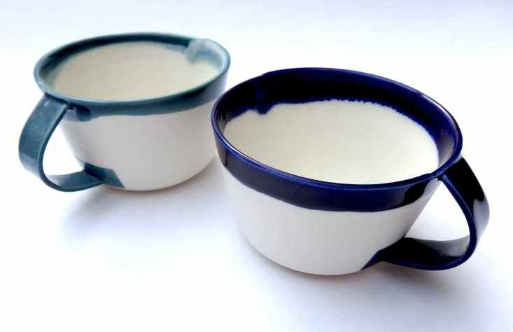 porcelain cups with curved handles - Tea / Indigo