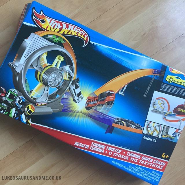 Hot Wheels Turbine Twister toy review at https://lukeosaurusandme.co.uk