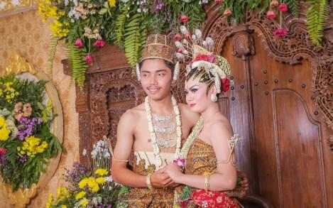 Foto candid pengantin