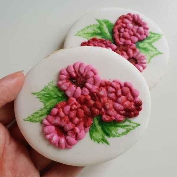 lukrowane ciasteczka z grafiką, maliny, Basia sweets