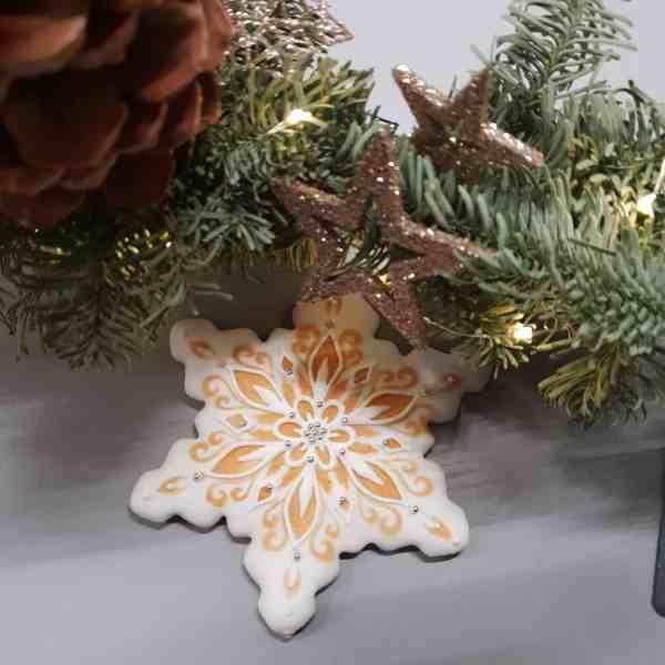 pierniki świąteczne, ciasteczka bożonarodzeniowe, Lukrowane ciasteczka Bożonarodzeniowe, lukrowane pierniczki na choinkę - Basia sweets