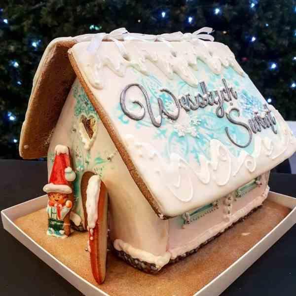 Świąteczne ciasteczka, Lukrowane ciasteczka Bożonarodzeniowe, lukrowany domek z piernika - Basia sweets