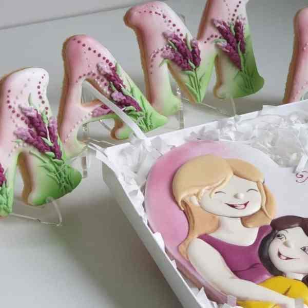 Dzień Matki, pierniczki dla mamy, personalizowane ciasteczka, zestaw pierniczków, lukrowane ciasteczka - Basia sweets