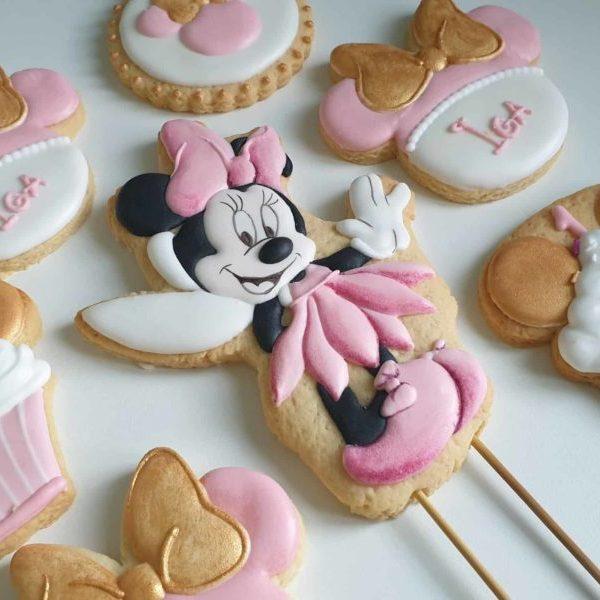 ciasteczka myszka minnie, ciasteczka na roczek, upominki dla gości urodzinowych, lukrowane ciasteczka urodzinowe Basia sweets
