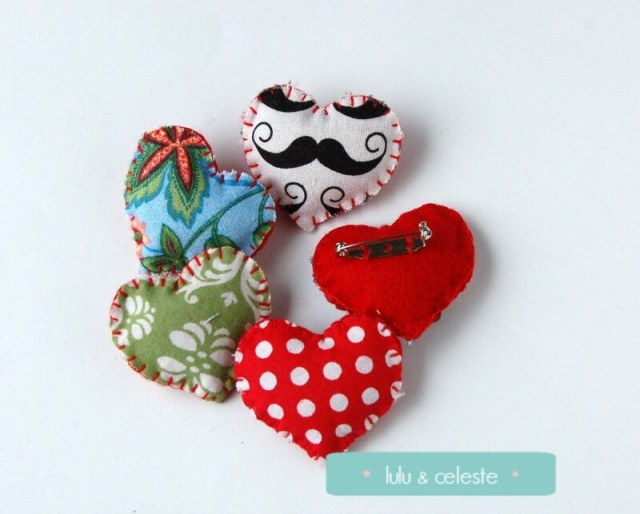 Mini felt heart pin tutorial