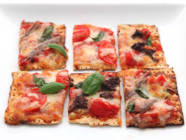 20130315-matzoh-pizza-2