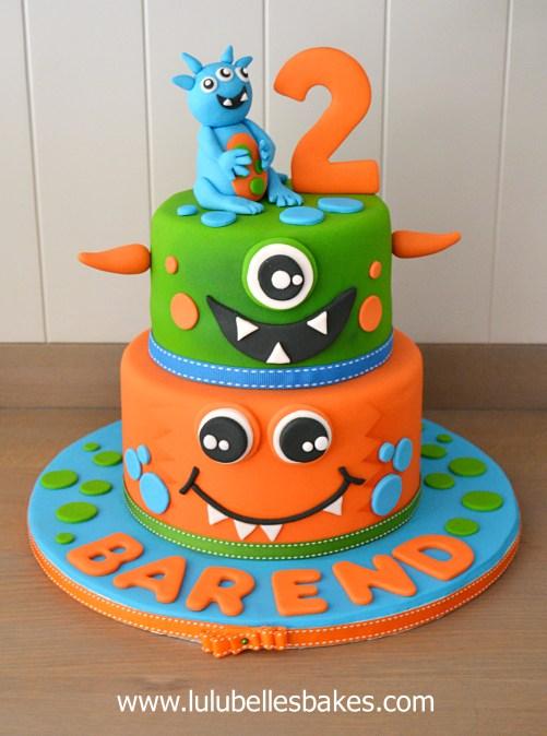 Cartoon character themed cakes Disney Minions Princess