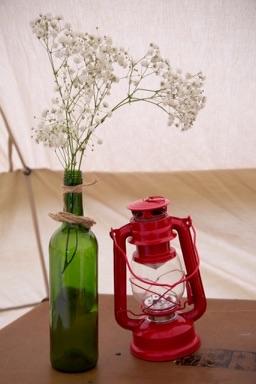 Camping-lantern-vintage-suitcase-and-gypsophila