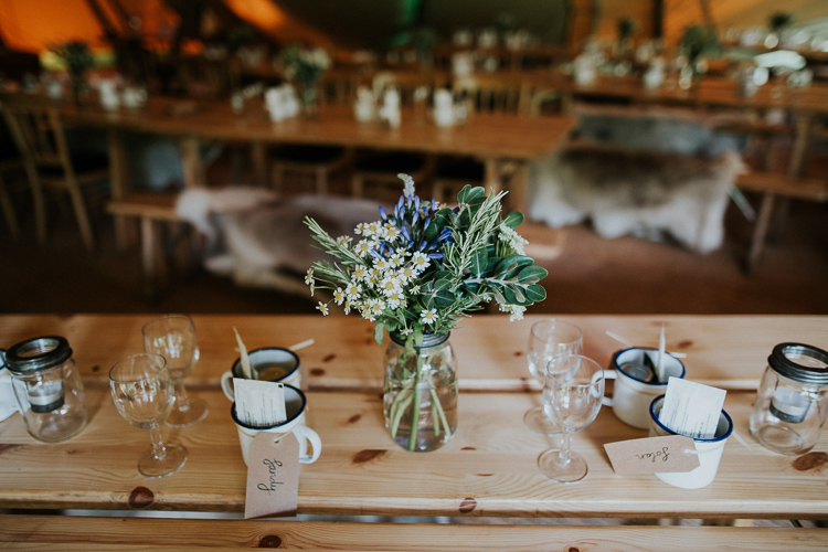 rustic-wedding-table-decor