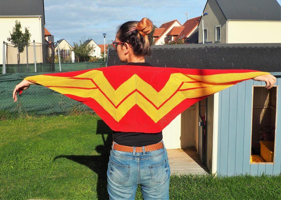 Châle Wonder Woman - déployé