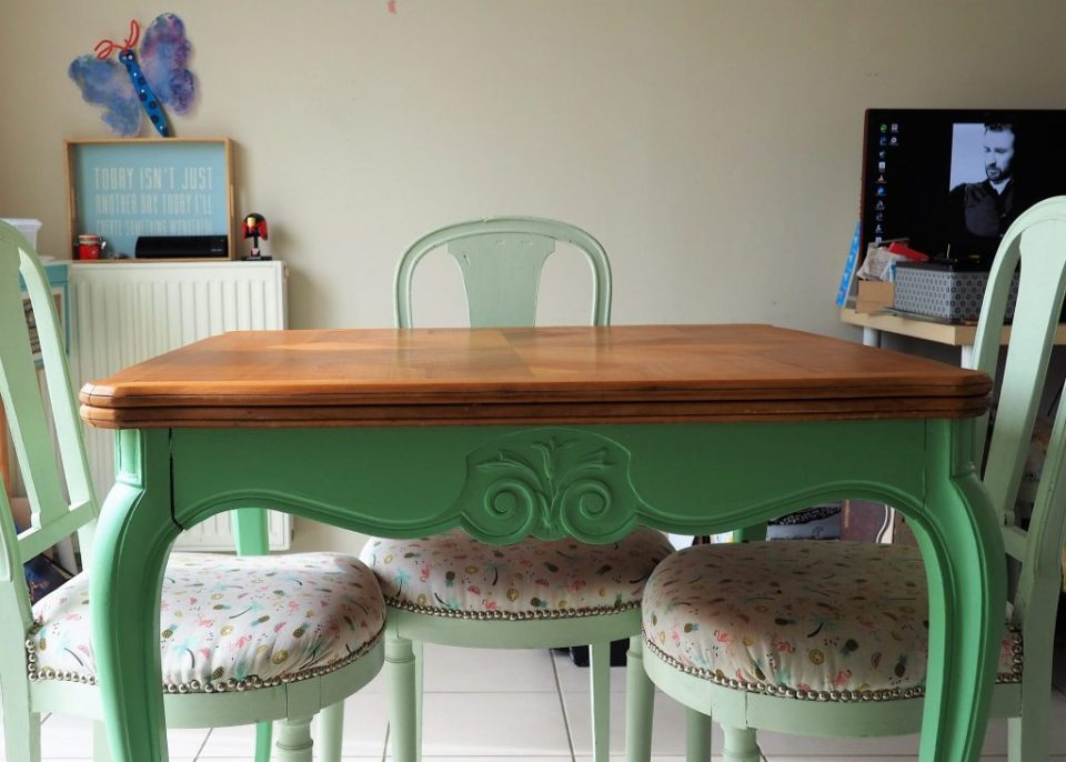 table - ensemble