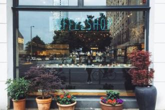 Coffeeshop © Luisa Sancelean