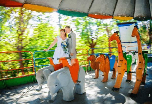 Свадьба в парке развлечений
