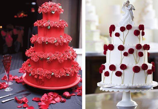 Красный свадебный торт с живыми цветами