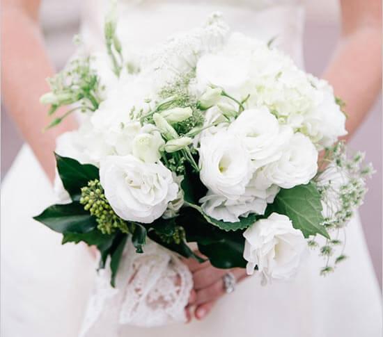 нежный свадебный букет во французском стиле