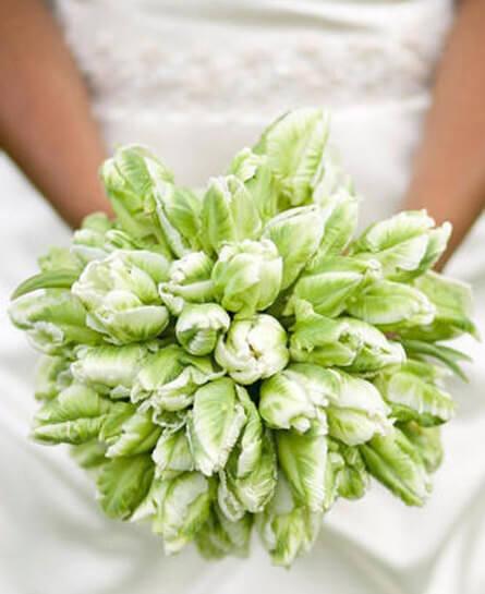 Зеленые тюльпаны в свадебном букете