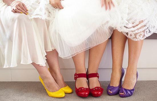 Цветные туфли для подружек невесты