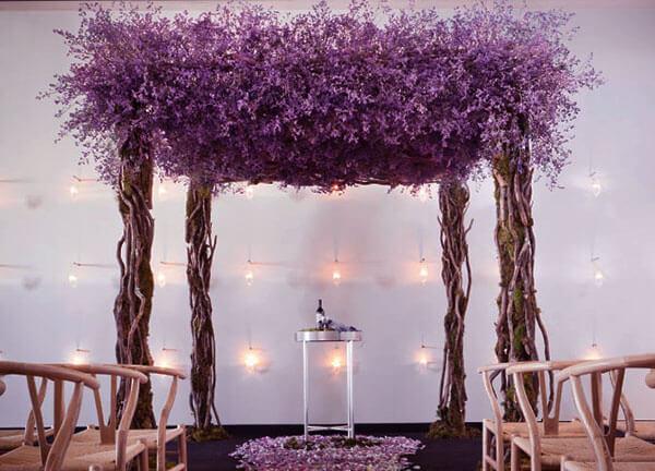 Фиолетовая арка на свадьбу