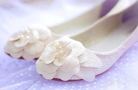 балетки украшены цветком