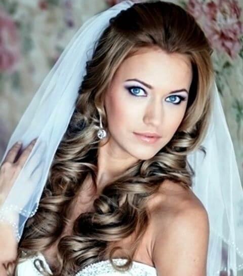 локоны на свадебной прическе