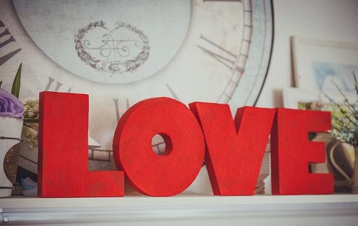 буквы в красном цвете из пенопласта