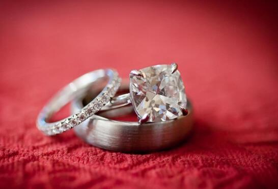 Красивые обручальные кольца: как выбрать?