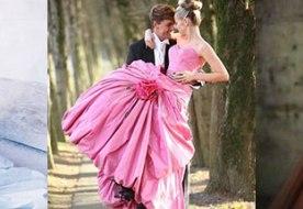 Цветные свадебные платья – нарушение традиций или символика?