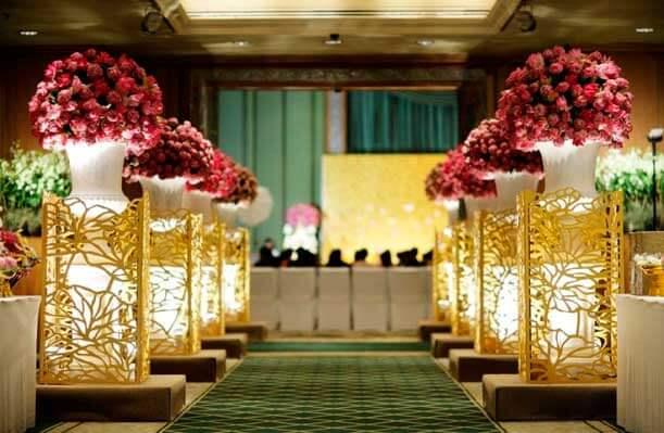 украшение цветами свадебного зала