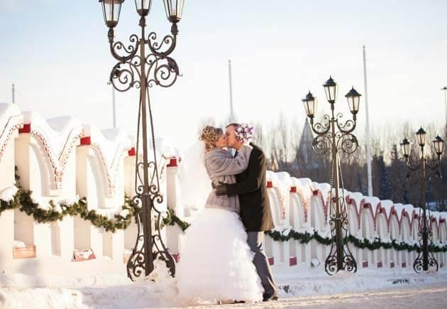 Свадьба зимой: как одеться невесте, жениху и гостям?