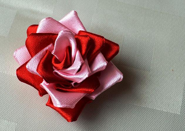 Как сделать розу из атласных лент своими руками