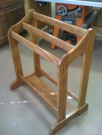 Oak Quilt Rack. DIY How To Make A Clamping Quilt Rack ...
