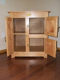 Bench Wood: Great Woodworking plans for liquor cabinet