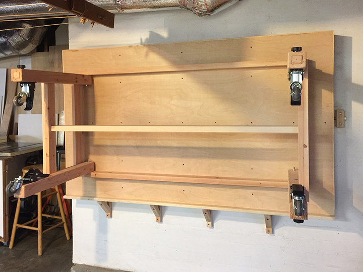 Rolling Assembly Table Workbench With Folding Height