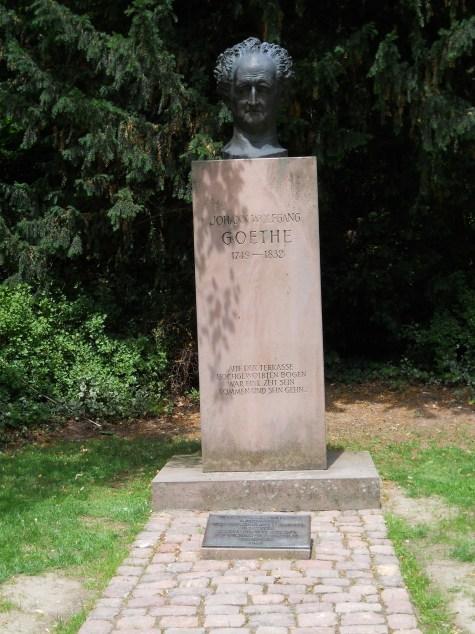 18_Gradina statuie Goethe