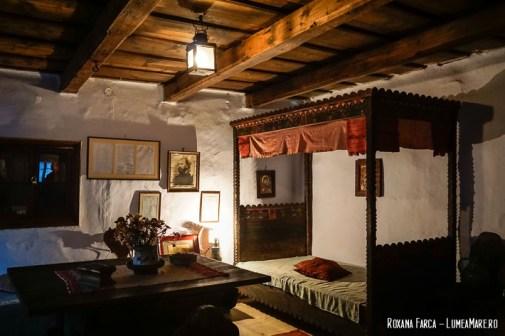 Casa lui Octavian Goga din Rășinari, cu patul în care s-a născut