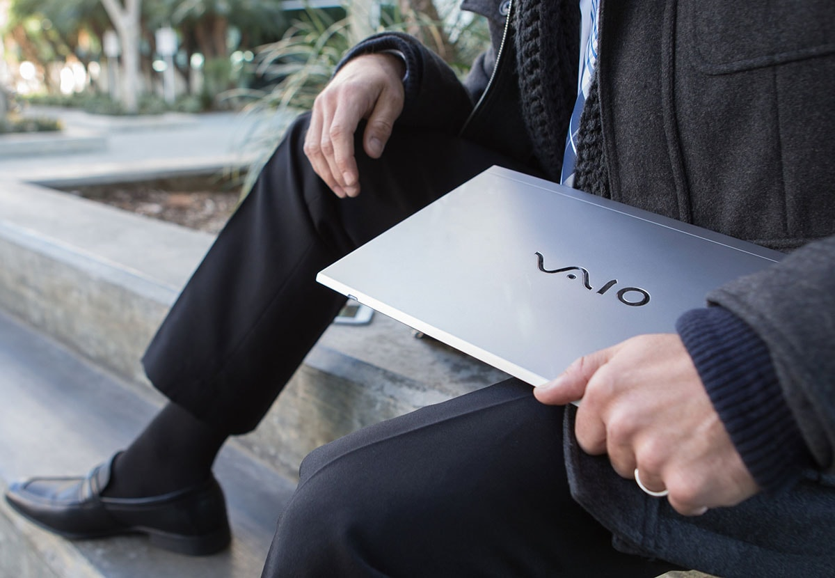 vaio-s8-v2-pdp-gallery-02-02-large-min