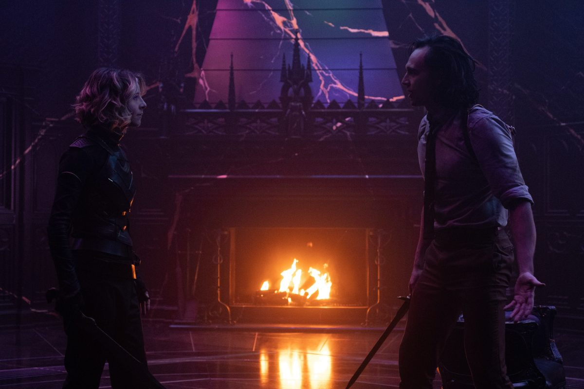 (L-R): Sylvie (Sophia Di Martino) and Loki (TomHiddleston) in Marvel Studios' LOKI, exclusively on Disney+. Photo by Chuck Zlotnick. ©Marvel Studios 2021. All Rights Reserved.